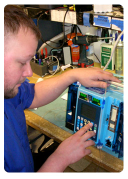 Ardus Engineer Servicing Medical Equipment